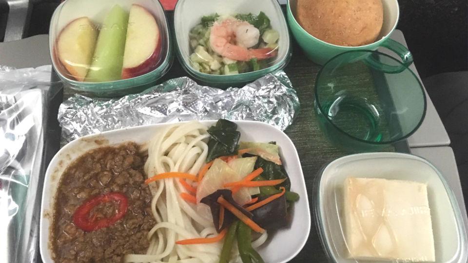 エバー航空レビューバンクーバーから台湾機内食
