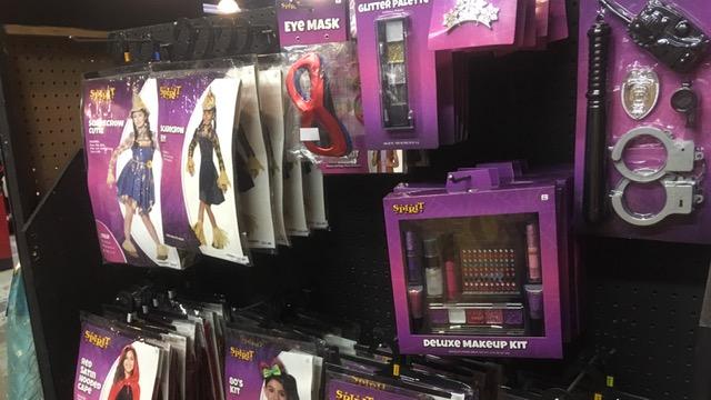バンクーバーでハロウィーン用品を買うならここ!何でも揃うSpirit Halloweenが便利!