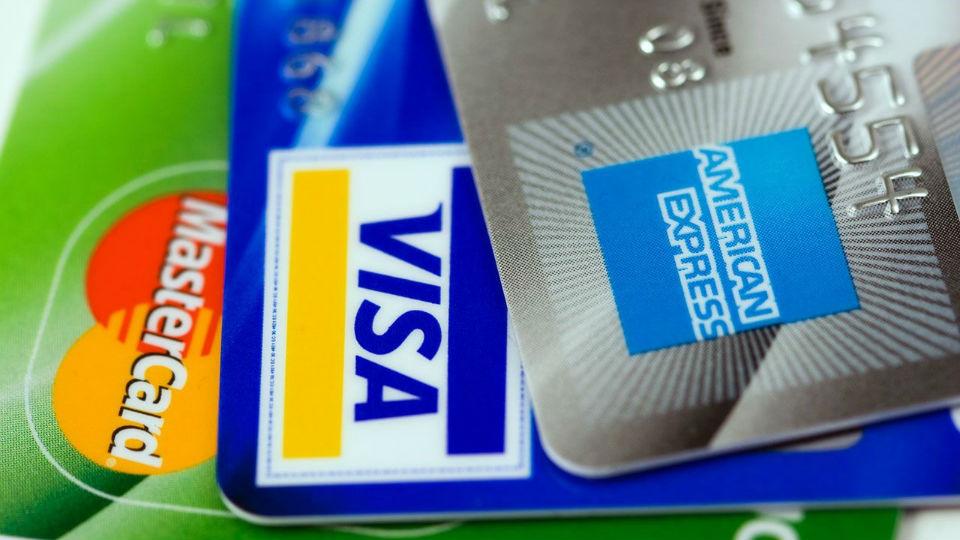 【カナダ】ワーホリ準備: 保険はどうする?節約裏技とおすすめ&NGなクレジットカード